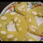 Ananas caramellato al moscato e mandorle