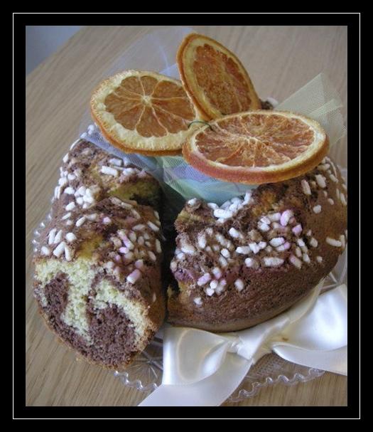 Ciambella marmorizzata ai fiori d'arancio
