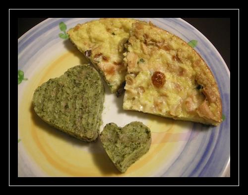 Tortino di pane e melanzane con cuori di broccoli all'acciuga e peperoncino