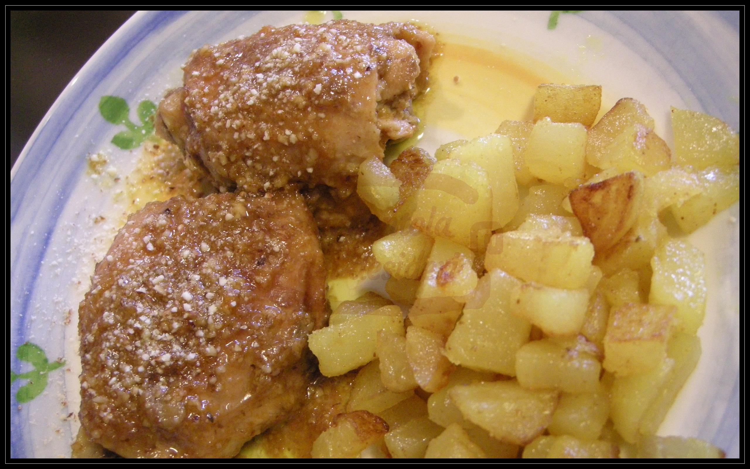 Sovracoscia di pollo al miele e salsa di soia accompagnato da patate al burro e curry
