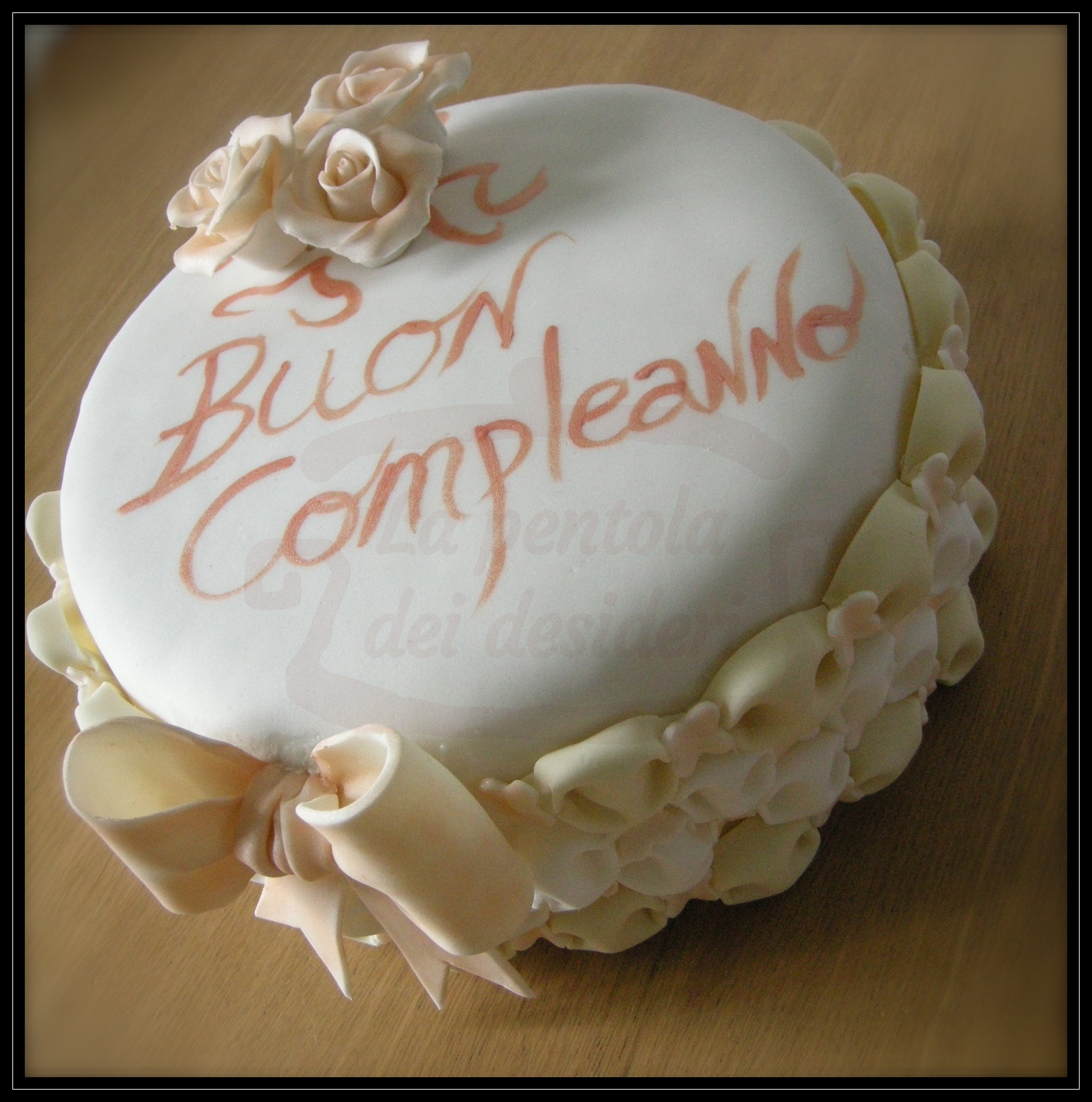 "Torta compleanno: ""Roses and billows"""