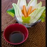 Verdure in pinzimonio con salsa di soia ed erba cipollina