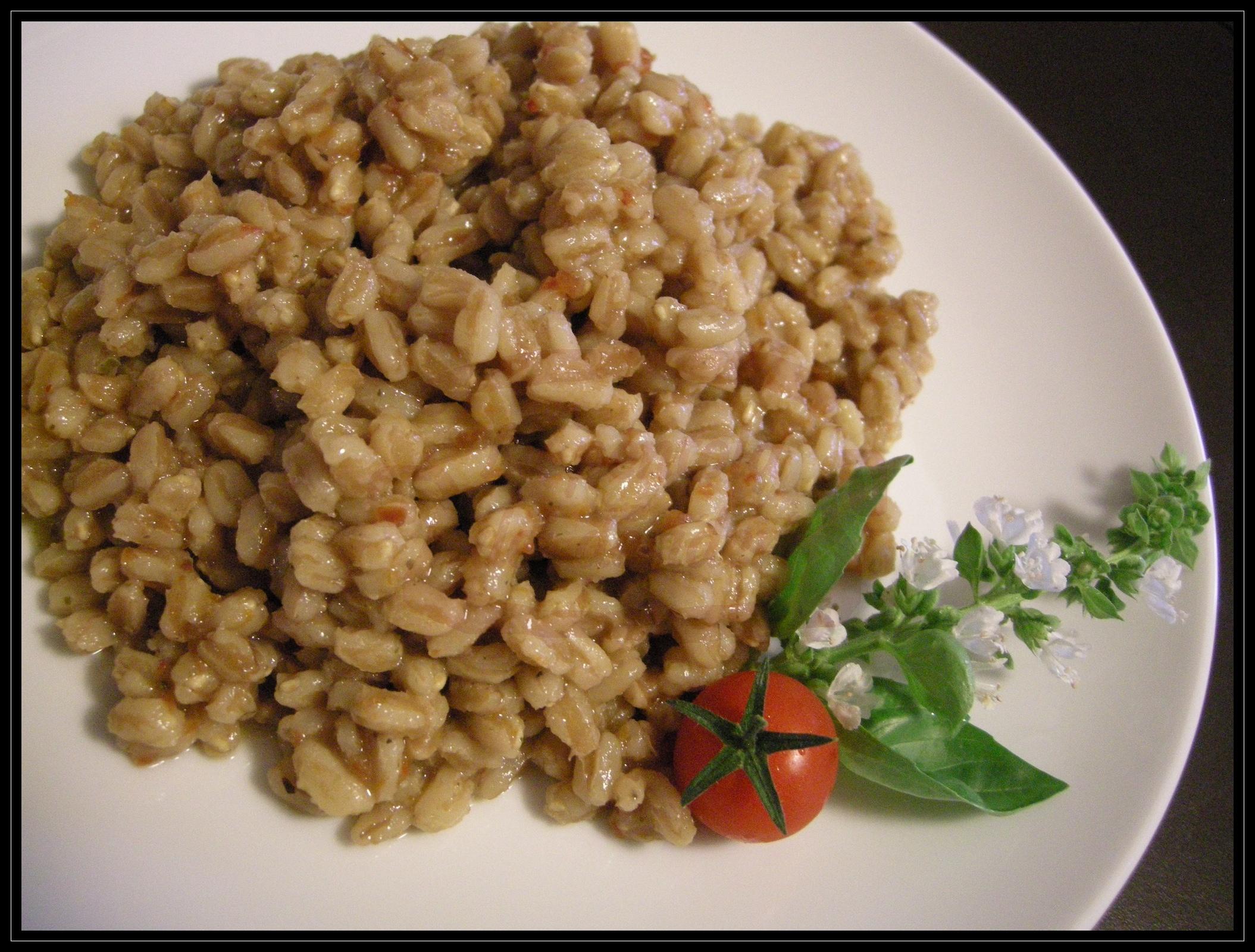 Zuppa di farro e pomodori secchi