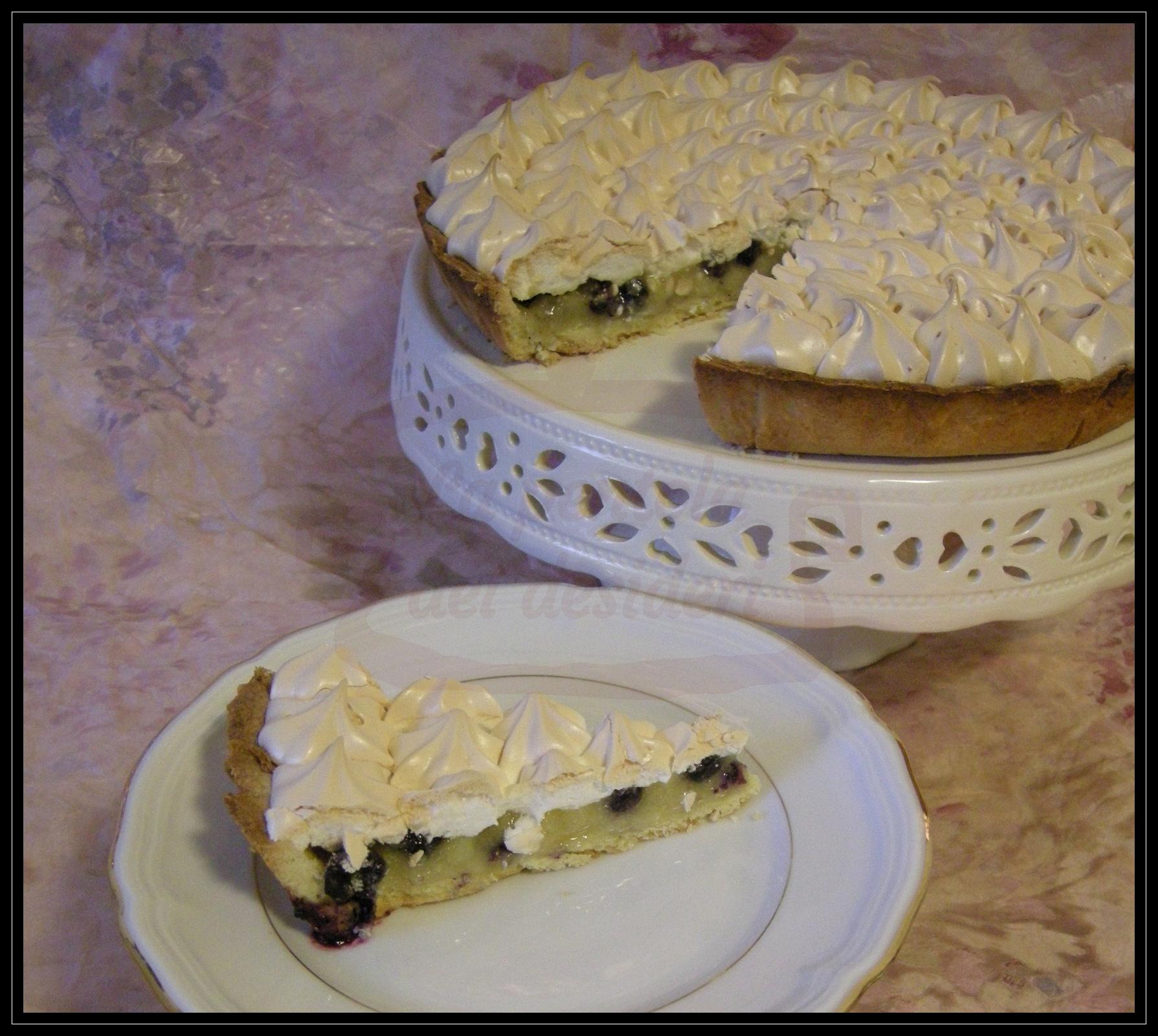 Crostata meringata con mandorle e mirtilli