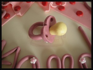"""Torta di benvenuto: """"Welcome Alessandra"""" (dettaglio in pdz)"""