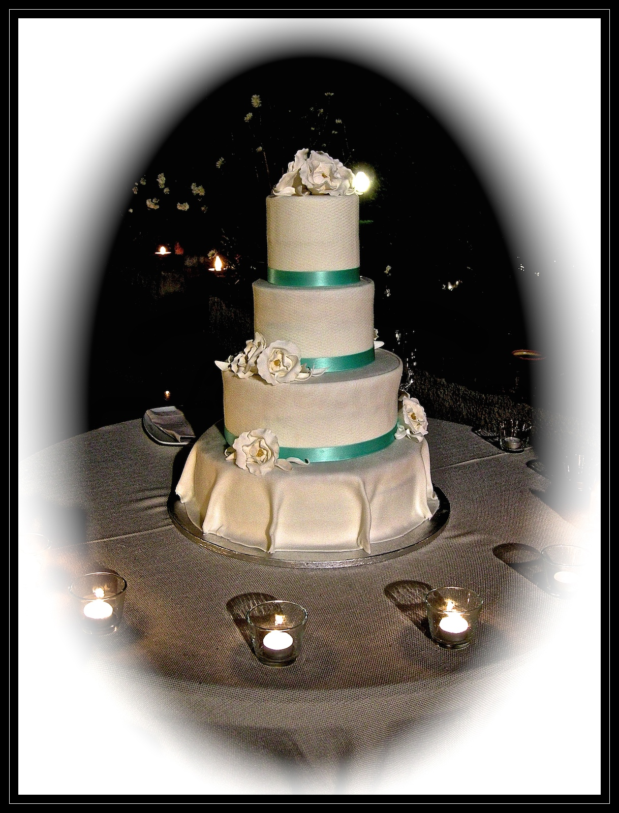 "Wedding cake:"" White and Tiffany"""