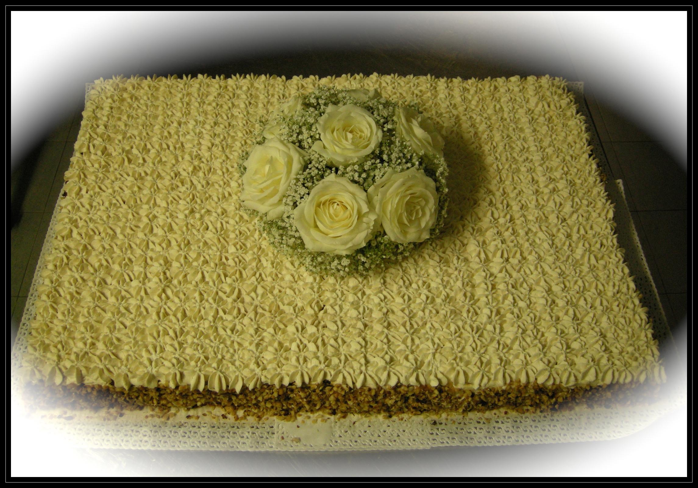 """Wedding cake: """"Croccante scioglievolezza alla nocciola"""""""