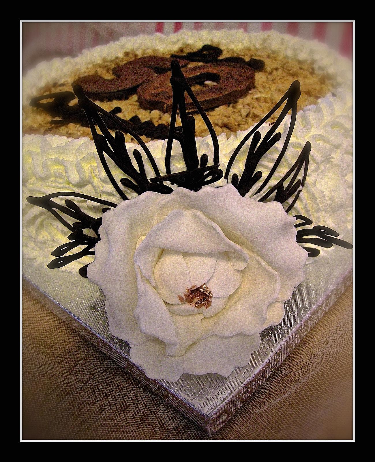 """Torta compleanno:"""" 50 """" (dettaglio)"""