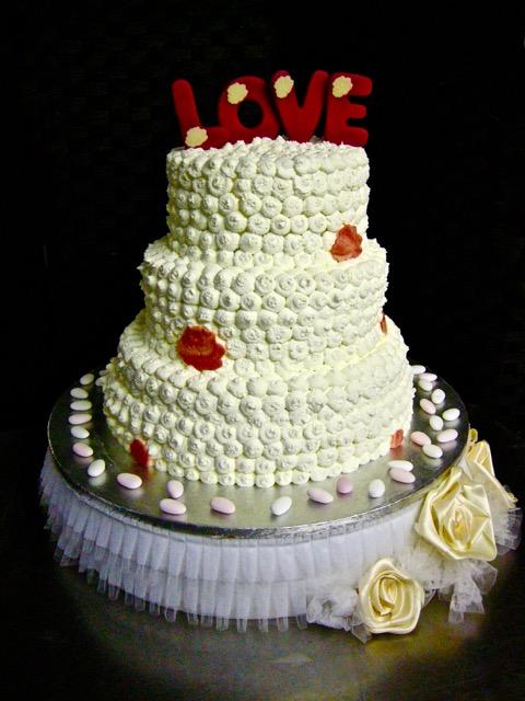"Weddingcake: ""LOVE cake"""