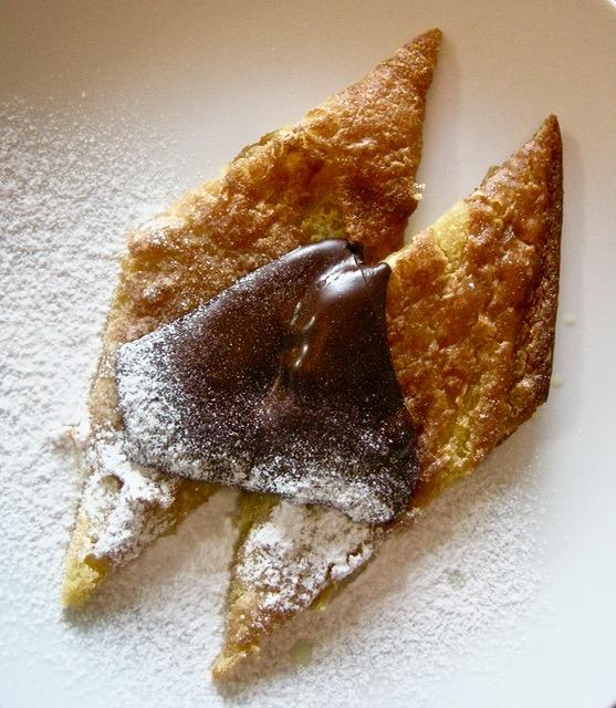 farinata con cioccolato fondente e zucchero a velo