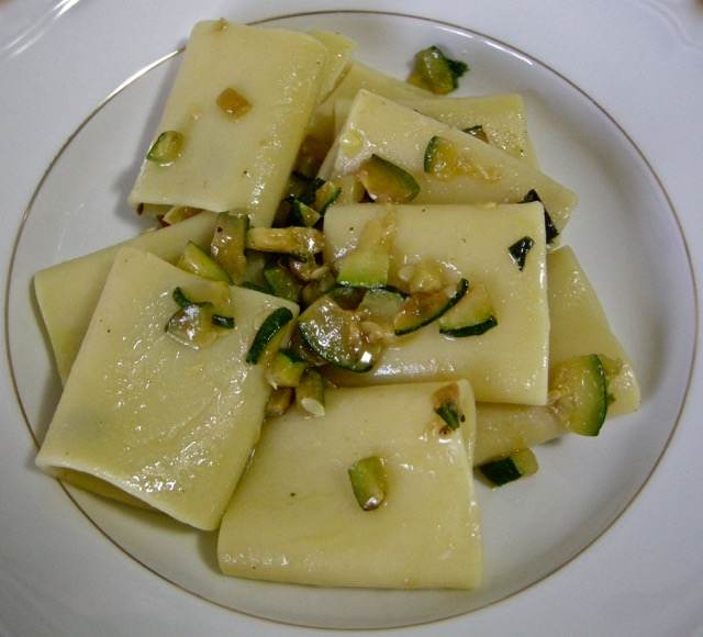 Paccheri con zucchine e menta